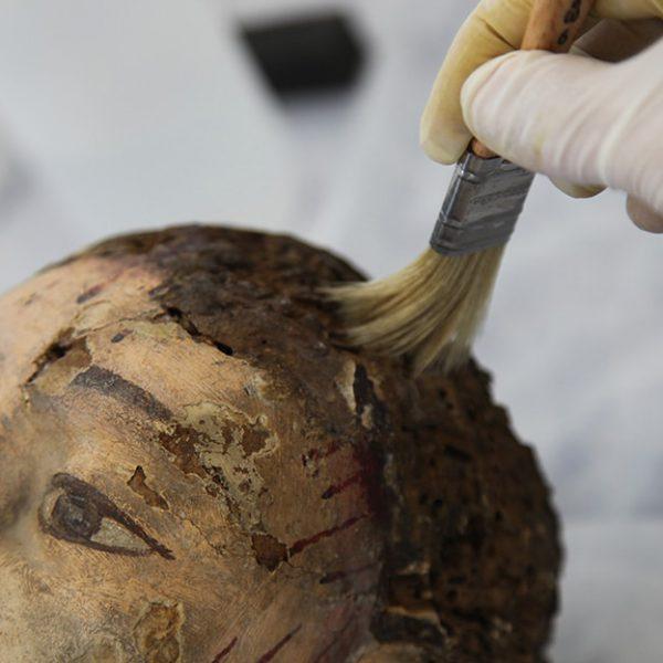 Proceso restauración Santo Crucifijo 4