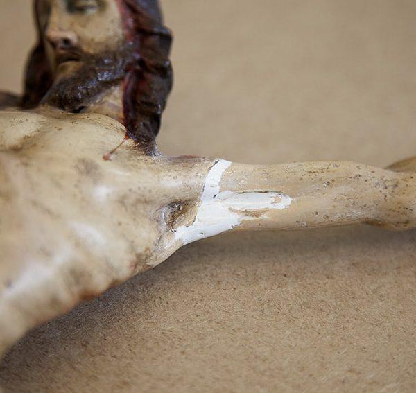 Proceso restauración de crucifijo 3