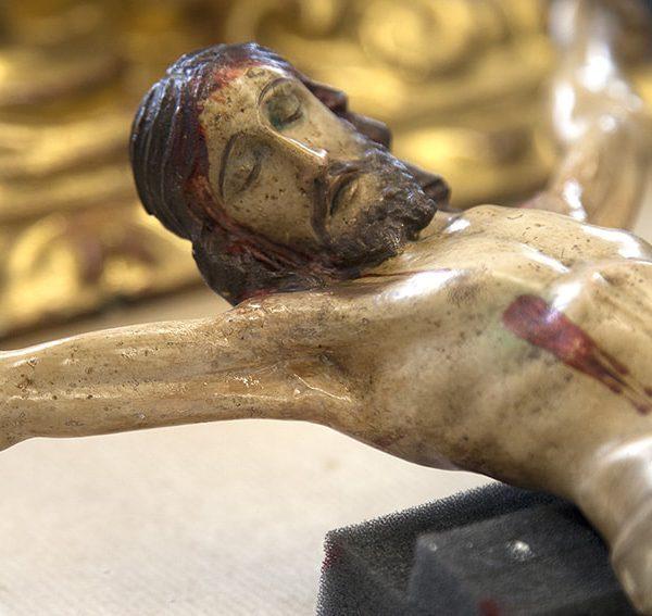 Proceso restauración de crucifijo 4