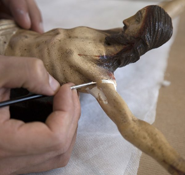 Process of crucifix restoration 2