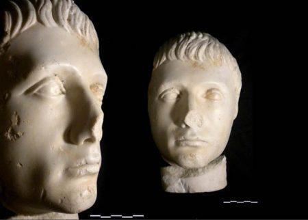 Reproducción cabeza romona de Augusto